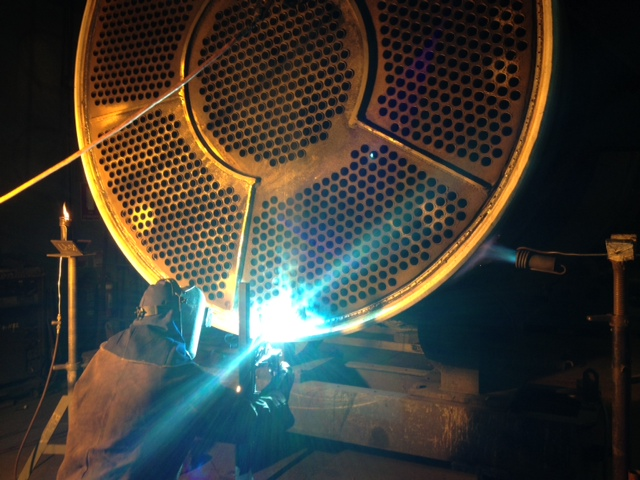 LA3118 - Pacific Aluminium, Heater repair - 6, Welding night & day (084-10-7-13)