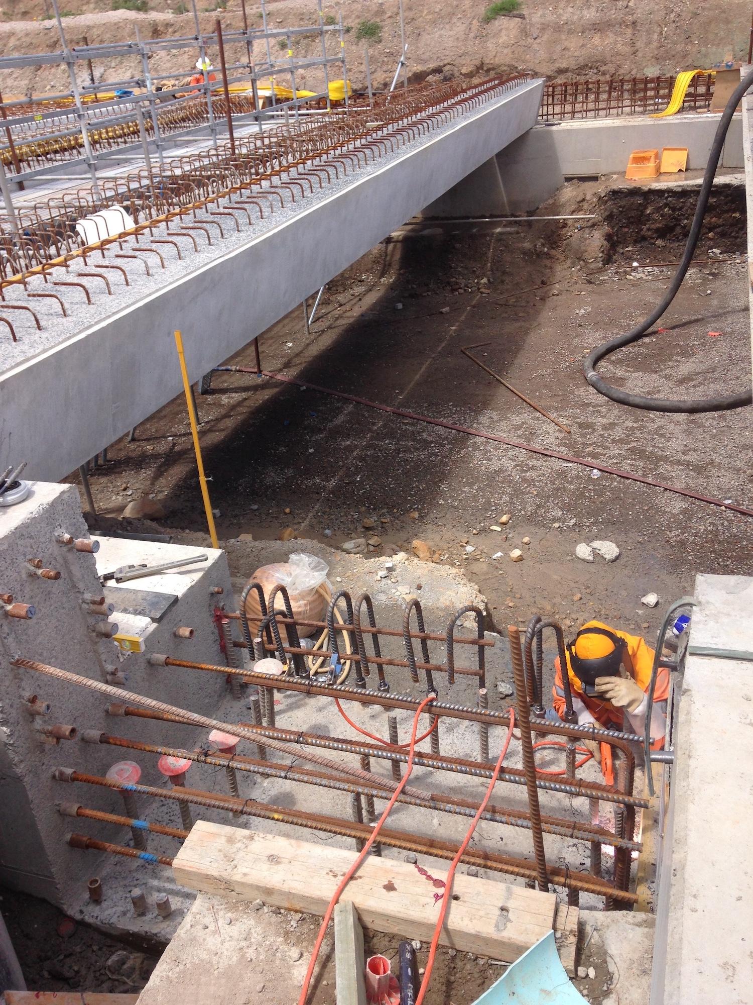 LA3766 - CPB, Kingsgrove - Site welding - 4, Welding rio bar